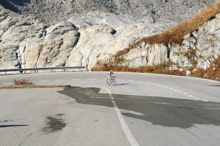 p20171017-2109-uphillCycling_Furka