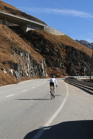 p20171017-2123-uphillCycling_Furka