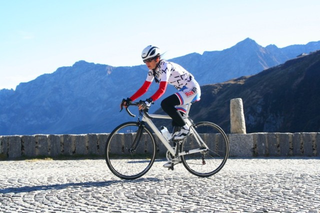 p20181025-2348-Gotthard-Tremola-Uphill