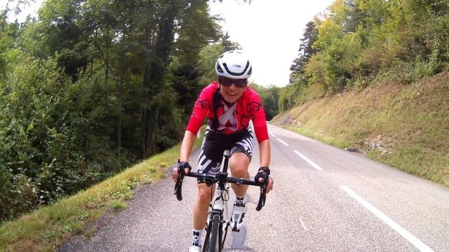 20210927-bTina_uphillCycling_fit4evita